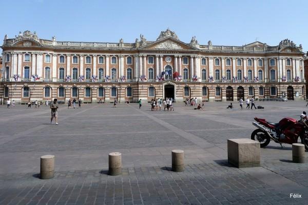 y02 - Le Capitole
