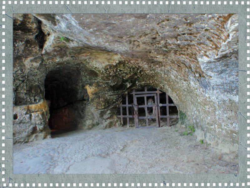 24620 Eyzies de Tayac la Roque St Christophe