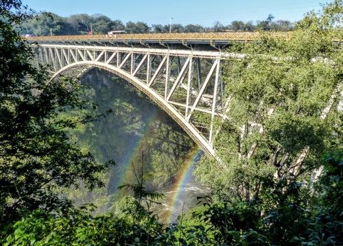 le séjour au Zimbabwe se termine;