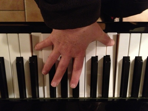 couvrir un octave avec des petites mains