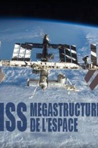 """ISS Mégastructure de lespace : C'est le projet orbital le plus ambitieux jamais construit, La Station Spatiale Internationale """"ISS"""". Placée en orbite terrestre, la station est occupée en permanence par un équipage international qui se consacre à la recherche scientifique dans l'environnement spatial. Ce programme, lancé et piloté par la NASA, est développé conjointement avec l'agence spatiale fédérale russe, et la participation des agences spatiales européennes, japonaises et canadiennes. Pas moins de 16 nations ont participé à la construction de ce monstre d'acier de 400 tonnes. Il a ainsi permis aux hommes et aux femmes du monde entier de vivre et travailler ensemble. Ce mécano géant de plus de 9700 m2, qui se construit lentement depuis 1998, a permis à l'homme de se préparer aux séjours longues durées en apesanteur, préambule aux futurs projets d'explorations spatiales vers la planète Mars. ... ----- ... Chaine TV : RMC Découverte Date de diffusion : 29/06/2017 Réalisé par : Thomas Risch Présenté par : Alexandre Cross (Narration) Nationalité : Français Durée : 1h 05min Langue : Français"""