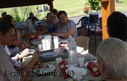 Pique-nique avec les aînés de la maison de retraite