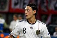 Mesut_Özil_Germany_national_football_team_03