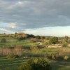 Vue panoramique depuis un clapas en face du site archéologique