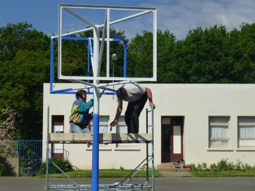 Installation de nouveaux panneaux de basket