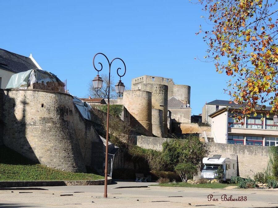 Thouars dans les Deux-Sèvres (79)