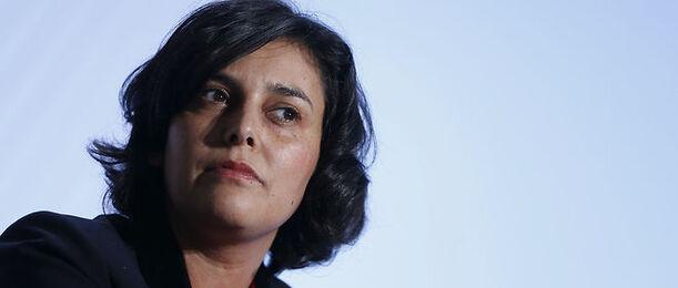 Myriam El Khomri face aux critiques sur son projet de loi.