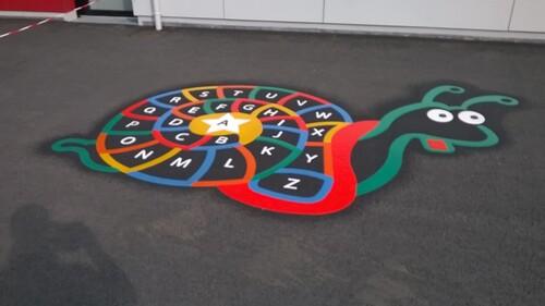- Nouveauté dans la cour d'école