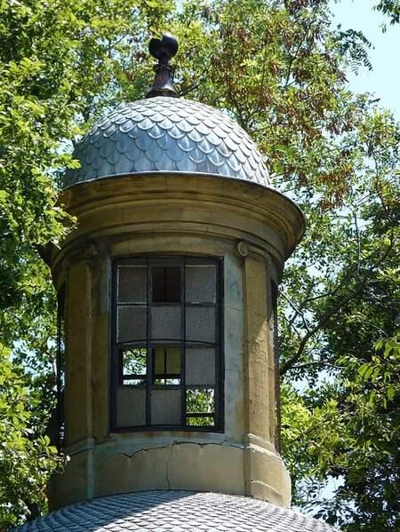 Jardin de Magalone mausolée (4)