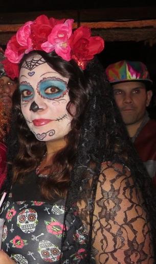 Party: soirée costumée Halloween.