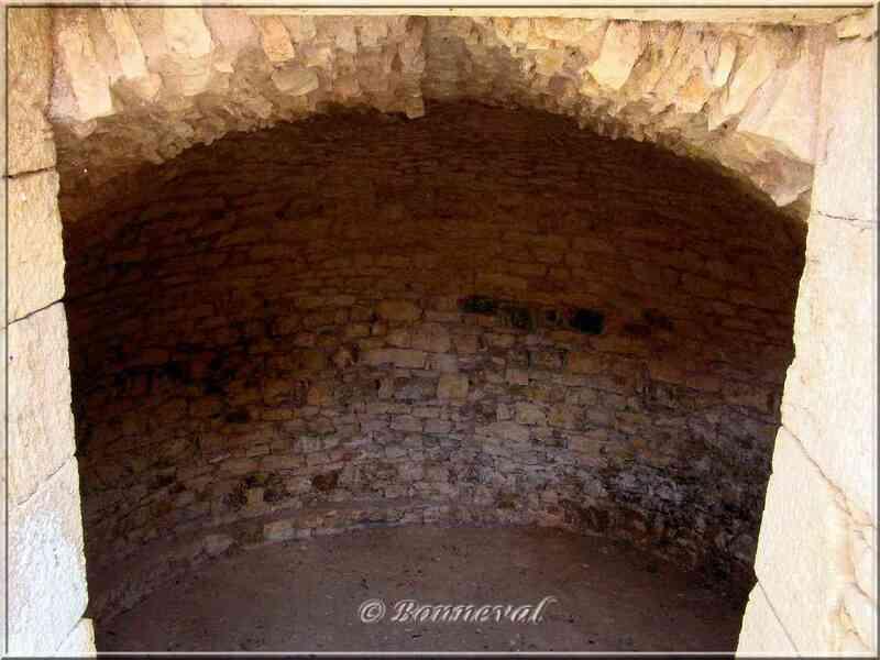Réservoir à colombine pigeonnier Château de Bonaguil