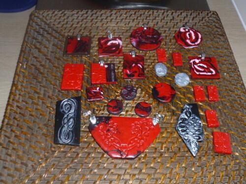 Bijoux du SCud en rouge et noir....