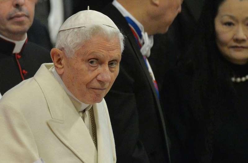 Pédophilie dans l'Église : pourquoi la lettre de Benoit XVI fait polémique