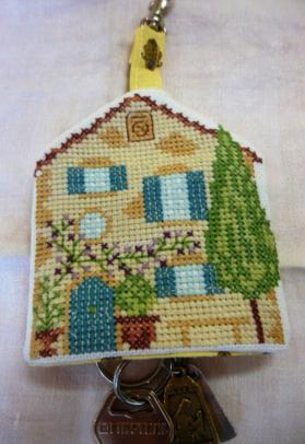 ANNICK petite maison pour clefs