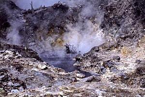 Rpt-Sainte-Lucie-Volcan0