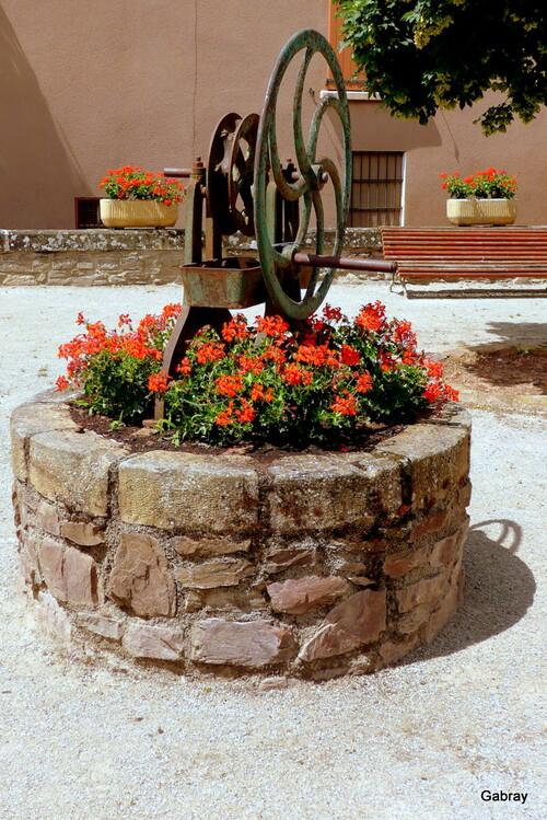 Saint Izaire : paysages, fontaines, escalier, ... n 4