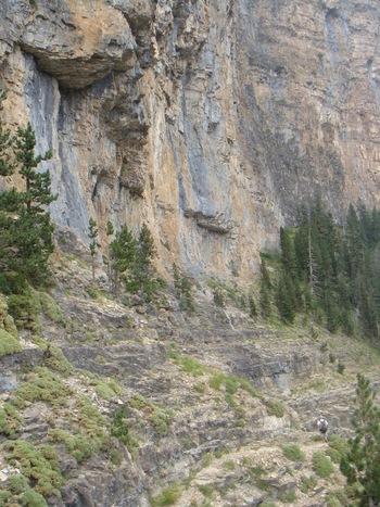 Passage sur des dalles rocheuses