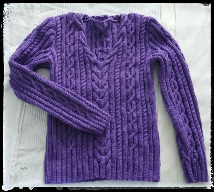Tricoter un pull en V à torsades Cthéusine aime le DIY
