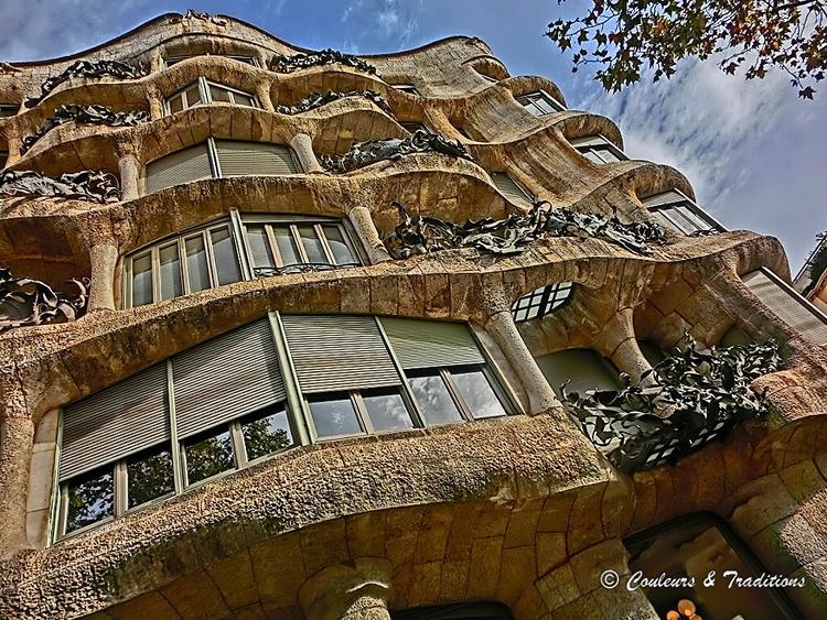 La Casa Milà  dans le quartier de l'Eixample