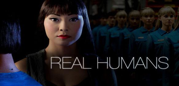"""Real Humans  : Äkta Människor (""""les véritables humains"""") se situe dans un monde parallèle où les robots humanoïdes (Hubot) sont devenus des machines courantes dans la société. Ces Hubots sont très réalistes et sont configurés de telle sorte à remplir une large demande. S'adaptant à tous les besoins humains, de la simple tâche ménagère à des activités plus dangereuses voire illégales, la société semble en dépendre. Une partie de la population refuse alors l'intégration de ces robots tandis que les machines manifestent des signes d'indépendance et de personnalité propre. ... ----- ... la serie : Suédoise Titre original : Äkta människor Saison : 2 saisons Episodes : 20 épisodes Statut : statut annulée Réalisateur(s) : Lars Lundström Acteur(s) : Lisette Pagler, Pia Halvorsen, Johan Paulsen Genre : Science fiction Critiques Spectateurs : 4.3 Voir la reprise de cette thématique avec la série Humans"""