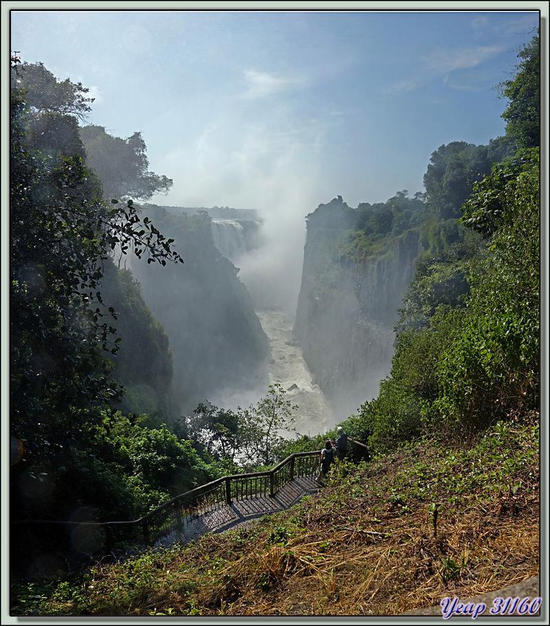 Devil's Falls (Les Chutes du Diable) - Chutes Victoria - Zimbabwedata:text/mce-internal,%3Cimg%20src%3D%22http%3A//ekladata.com/OamwydYcxuNi-8lBtaJKPxdC4PQ@800x353.jpg%22%20alt%3D%22Devil%27s%20Falls%