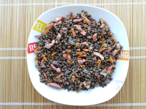 Lentilles cuisinées (carotte, lardons, oignon)