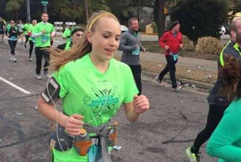 le danger du marathon : une coureuse morte à la ligne d'arrivée