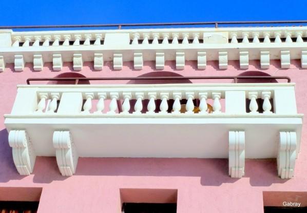 v04 - Balcon blanc