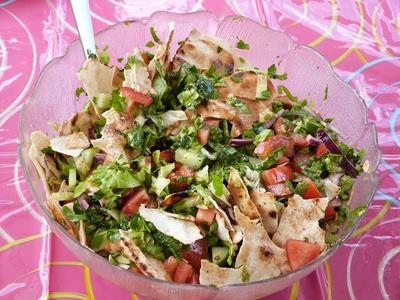 Blog de charlottopoire :Charlottopoire... mes petites créas..., Salade Fattouche (liban)