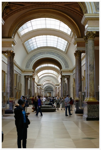 Le Louvre. La Grande galerie.
