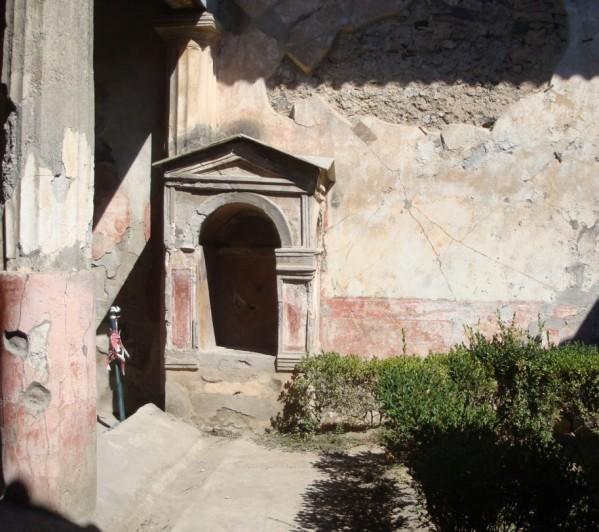 Pompéi, la maison du poète tragique, le laraire