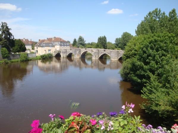 St Savin-sur-Gartempe (le vieux pont)