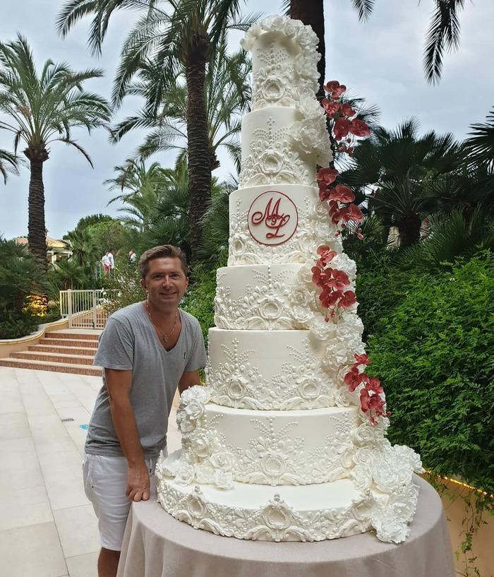 le gâteau en polystirène du mariage vu par mamy 24   lol