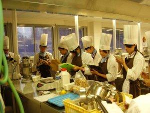 Les étudiants japonais au Clos d'Or