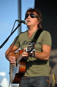 Bon Jovi's Richie Sambora turns 53 - 11 juillet 2012