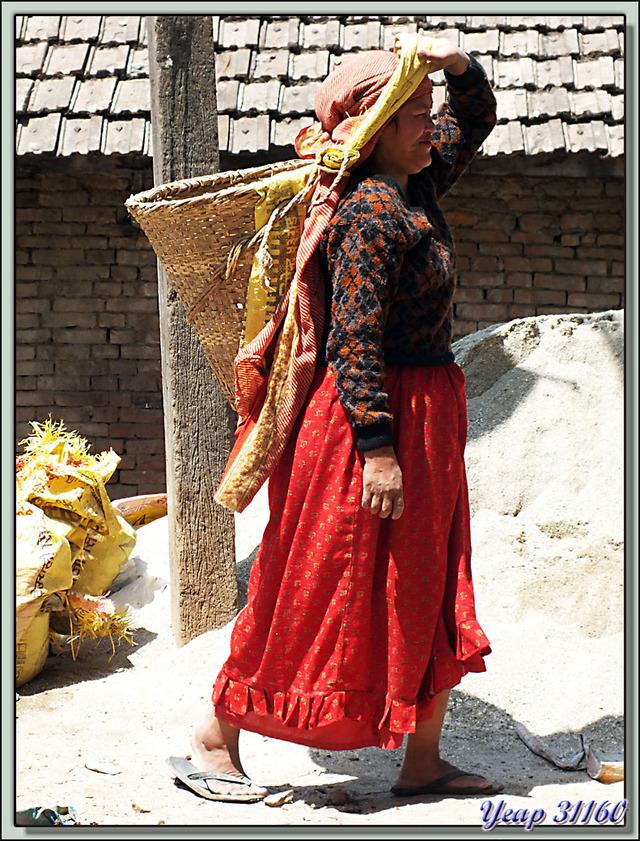 Blog de images-du-pays-des-ours : Images du Pays des Ours (et d'ailleurs ...), Le tableau paraîtrait beau si ... - Khokana - Népal