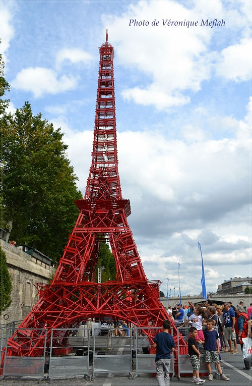 Une tour Eiffel à Paris Plages