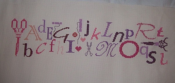 SAL-Alphabet-en-rose-et-mauve---1a3.JPG