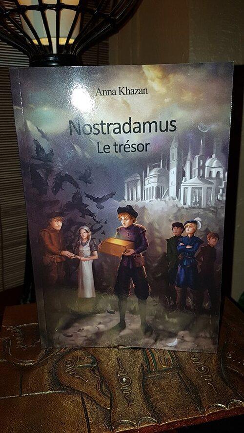 """Dans """"Nostradamus : le trésor T1"""" d'Anna Khazan, on suit la jeunesse du futur Nostradamus et de ses amis en quête d'un fabuleux trésor."""
