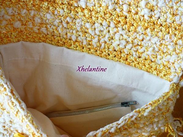 sac au crochet jaune blanc ouvert 3