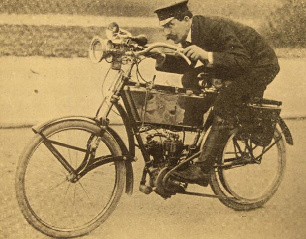 Leçon de moto par deux champions
