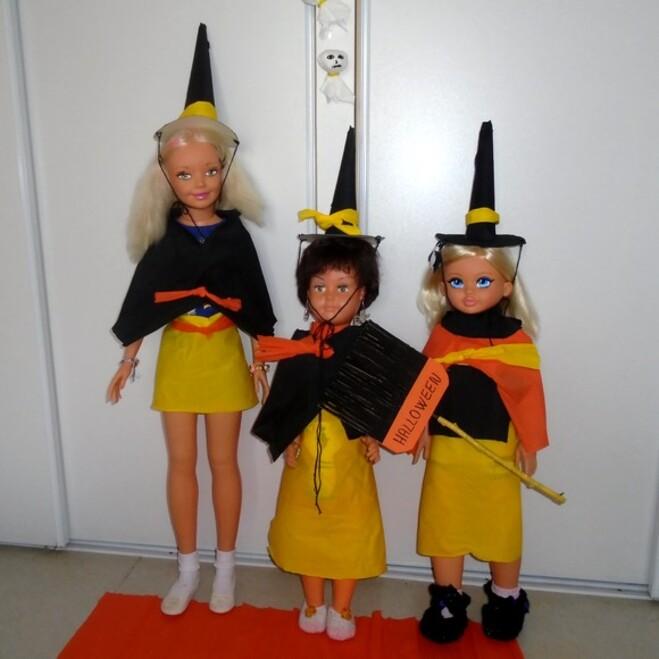 Les ptiotes poupées fêtent Halloween