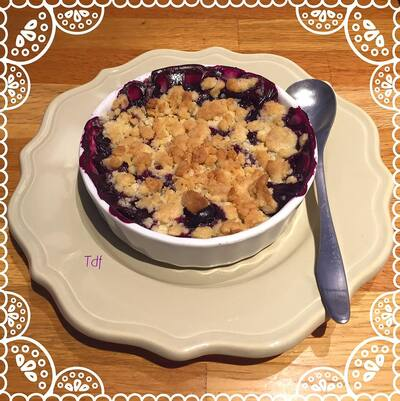 CRUMBLE DE MYRTILLES