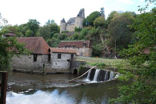 Le château et la forge