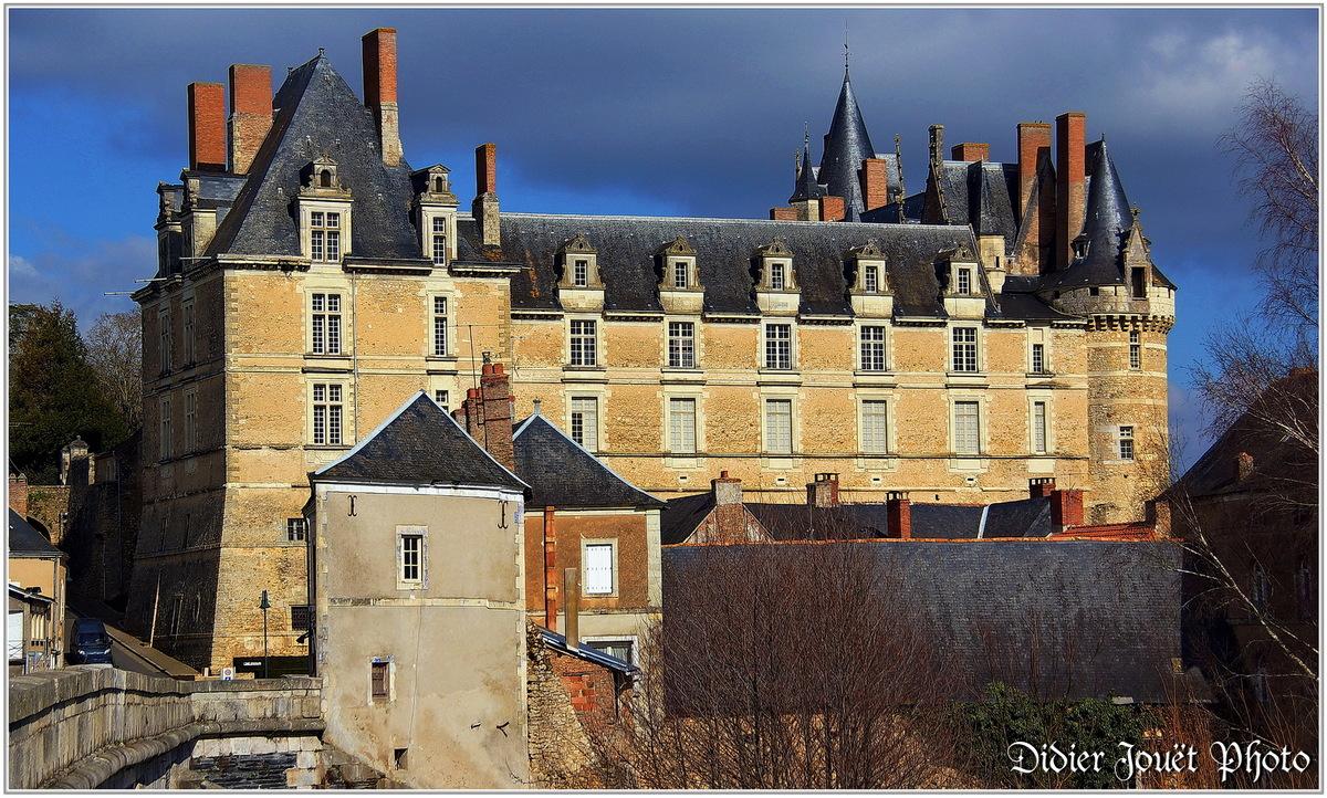 (49) Maine et Loire - Durtal (2) - Château