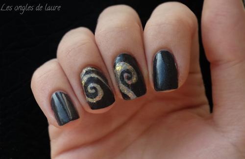 Nail Art spirales festives