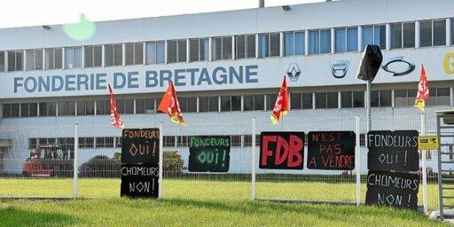La Fonderie de Bretagne est bloquée par les salariés depuis mardi 27avril. Un débat sur son avenir et celui de la filière automobile est organisé ce samedi 1ermai, à Hennebont.