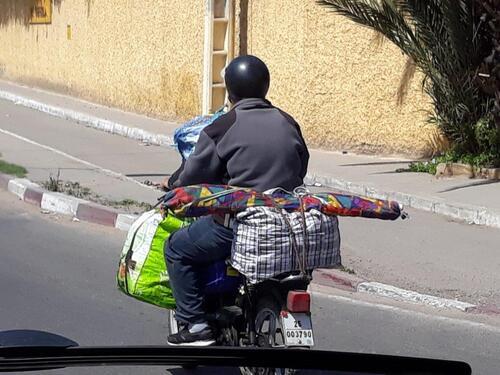 Chargé à la marocaine...