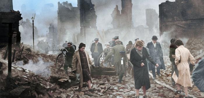 """""""Le monde sous les bombes :   De Guernica à Hiroshima"""""""