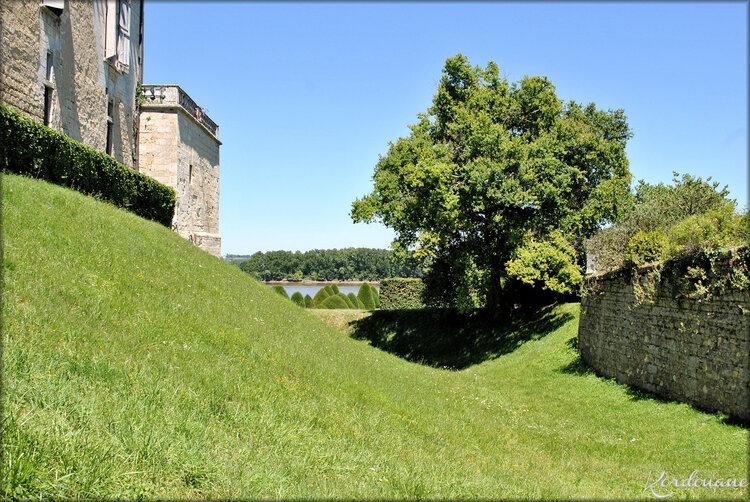 Photos des douves du Château de Vayres (Gironde)